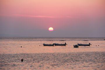 Západ slnka na makarskej riviére