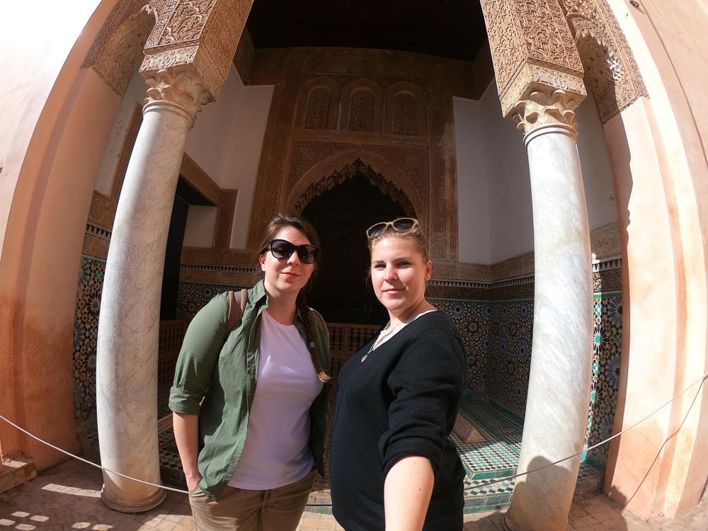 V Marakéši nikdy nepocítite nedostatok mozaiky, ornamentov, ozdobných stĺpov či tak typických oblúkov.
